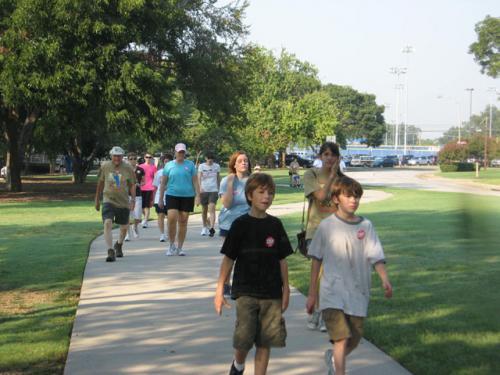 CROP-Walk-2008-31